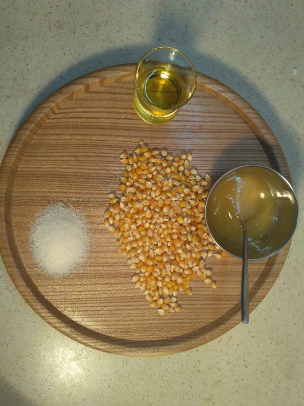 Ингредиенты для сладкого попкорна