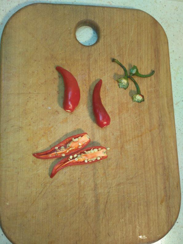 Готовим маринованный острый перец чили