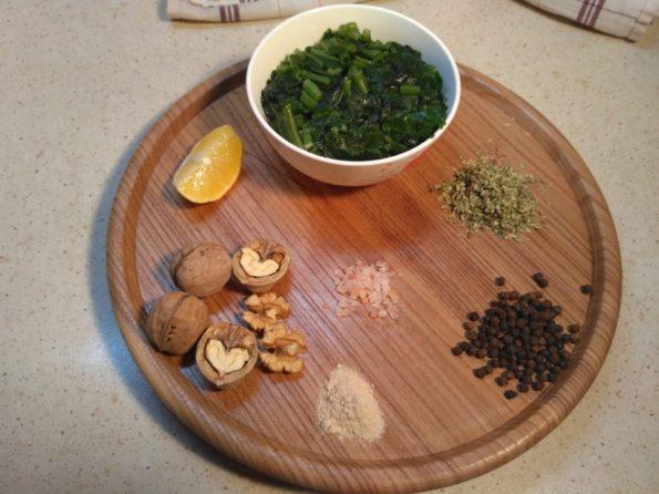 Ингредиенты для пхали из шпината