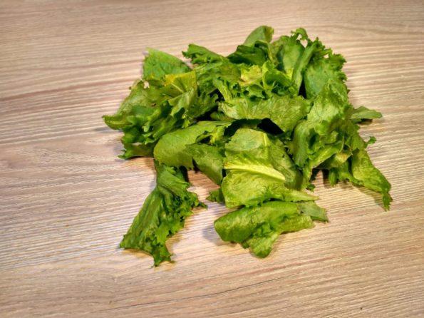 Готовим свежий салат с медовой заправкой