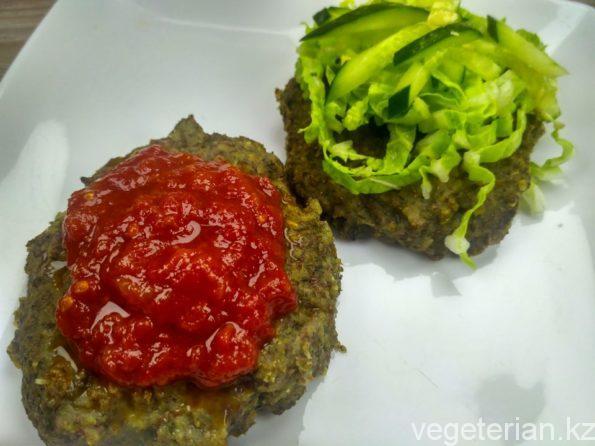 Чечевичные вегетарианские котлеты на пару