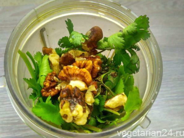 Готовим вегетарианский зеленый соус