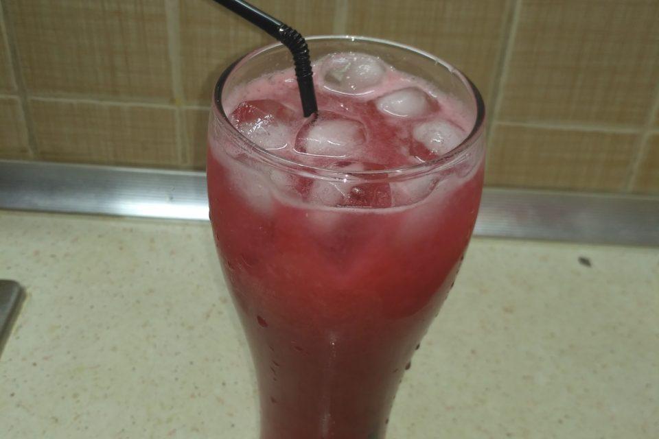 Напиток из свежей черной смородины