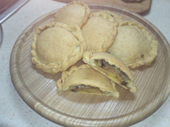пирожки с картофелем и баклажанами