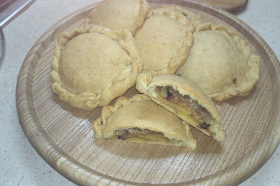 Вегетарианские пирожки в духовке
