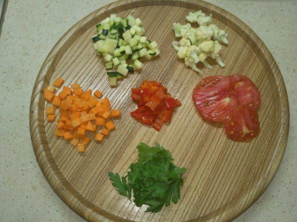 Нарезка для овощного вегетарианского супа минестроне
