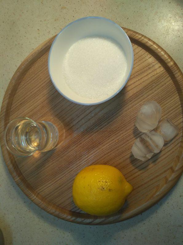 Ингредиенты для лимонного напитка