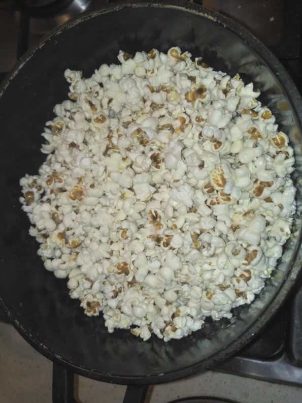 приготовление сладкого попкорна