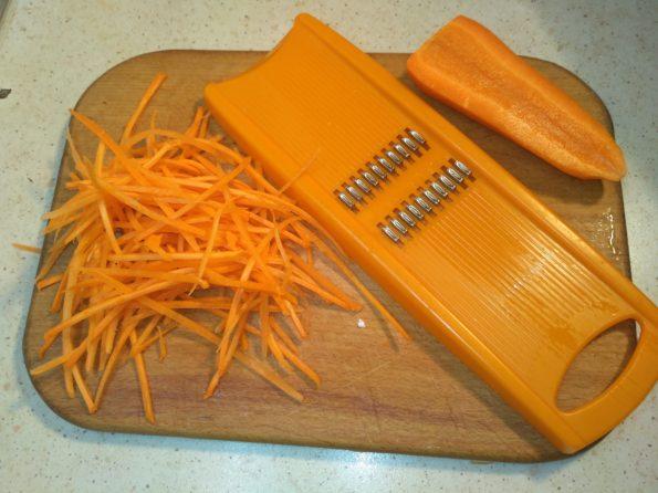 напираем морковь для фунчозы