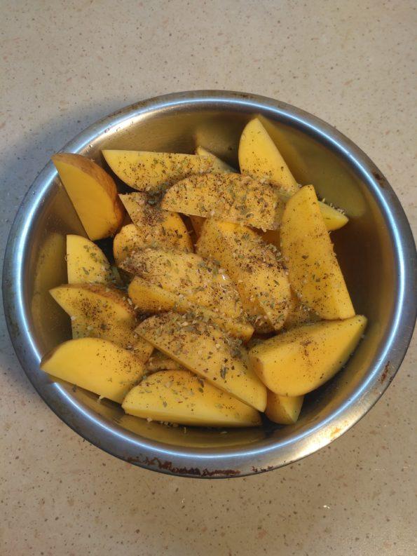 готовим запеченный картофель в духовке