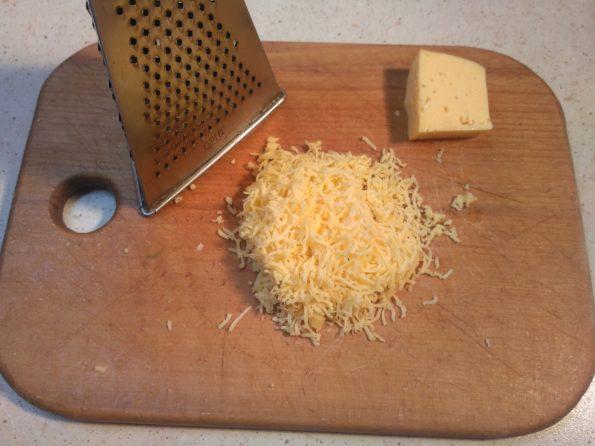 Готовим начинку для картофельной закуски