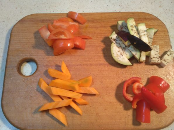 Режем овощи для пасты