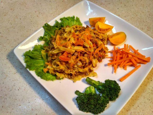 чечевица с морковь и белокочанной капустой