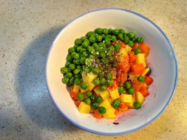 Готовим салат со свеклой, картофелем и морковью