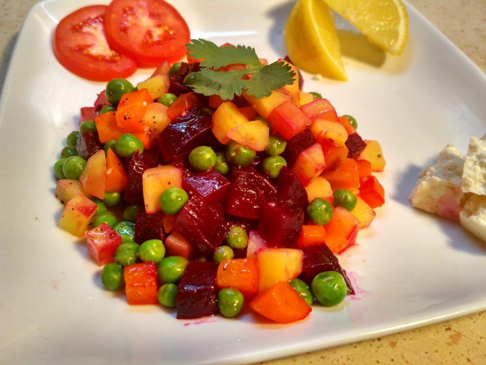 Салат со свеклой, картофелем и морковью