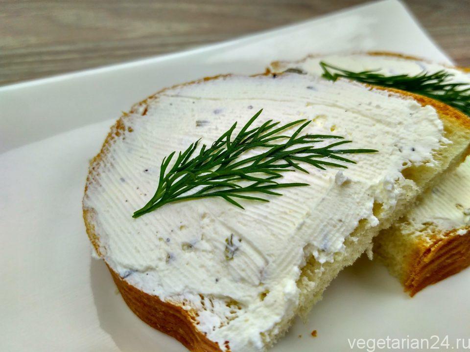 Домашний сливочный сыр со специями
