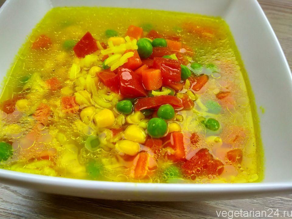 Веганский суп с рисом и кукурузой