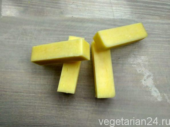 Готовим сырные палочки