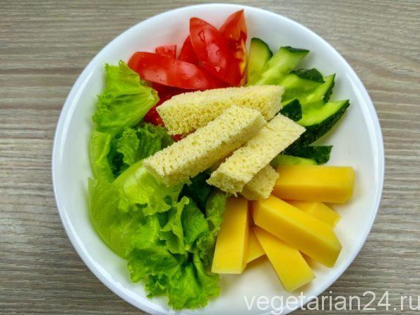 Готовим салат малибу