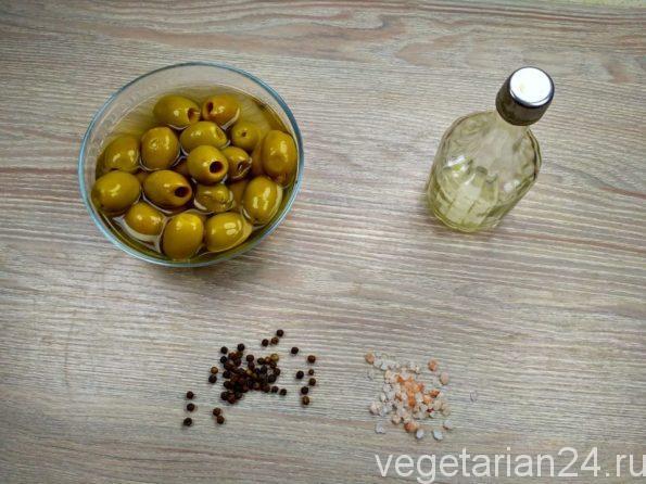 Ингредиенты для приготовления оливковой пасты